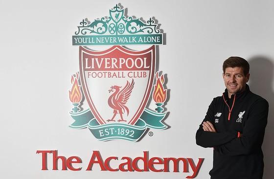 Steven Gerrard is terug bij Liverpool FC. © Twitter