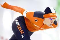 Ireen Wüst in actie op de 1000 meter tijdens het NK sprint. © ANP