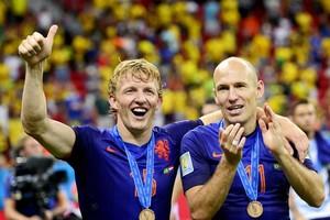 Dirk Kuyt en Arjen Robben © ANP